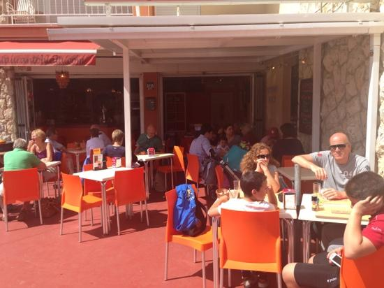 Restaurantsand Bars